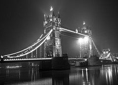 Tower Bridge in fog B&W (bc@imageview) Tags: towerbridge