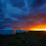 Mongolia - tramonto in campo tendato nel Gobi