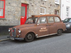 Retro taxi. (RUSTDREAMER.) Tags: cornwall taxi penzance fx4 carbodies bangernomics rustdreamer