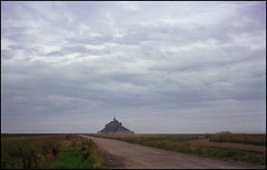 La Normandie in 6x6 (41) (Hans Kerensky) Tags: morning 120 la fuji september mf 100 normandie normandy mont folder mystic reala saintmichel iskra kmz plustek 2013 opticfilm anywhitefieldtagbyflickrsspamtagbot