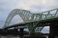 widnes / runcorn bridge (bm1551cc) Tags: silver cheshire westbank railway railwaybridge widnes halton archbridge rivermersey widnesruncornbridge canon600d