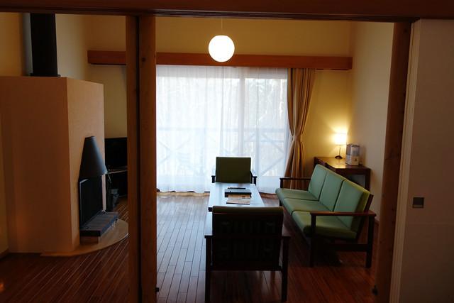 清里清泉寮の暖炉のある部屋
