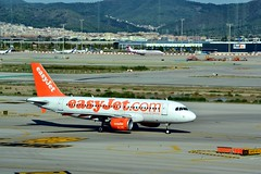 DSC_0021a (Andy961) Tags: barcelona espaa airport spain bcn catalonia aviary airports easyjet airliners elprat airbusa319 aircrft gezbd