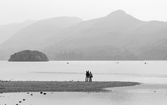 Looking across Derwent Water, Lake District National Park, Cumbria, UK (Ministry) Tags: derwentwater lakedistrict nationalpark cumbria uk catbells friarscrag stherbertsisland maidenmoor highspy beach canoe derwent water hill island haze mist
