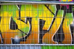 En toutes lettres (Gerard Hermand) Tags: 1704027284 gerardhermand france paris canon eos5dmarkii formatpaysage rue street art streetart peinture paint lettre letter mur wall couleur color grille fence