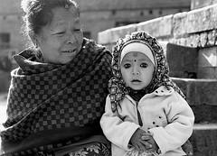 Pentax 645n Nepal HP5+ child s (shakmati) Tags: ilford film hp5 bw ภาพเหมือน slr filma portra 肖像 ritratti portrét bild porträt портрет retrato portrait blanc blanco monochrome black white shiro negro nero street travel nepal kathmandu people pentax 645 645n 75mm medium moyen 120