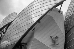 Foundation Louis Vuitton. (Aurelia Li) Tags: blackwhite louisvuitton paris france museum reflections analogue