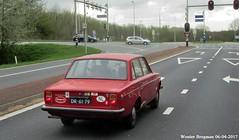 Volvo 144 De Luxe 1971 (XBXG) Tags: dr6179 volvo 144 de luxe 1971 volvo144 amsterdam nederland holland netherlands paysbas vintage old classic swedish car auto automobile voiture ancienne suédoise sweden sverige zweden suède zweeds red rood rouge vehicle outdoor
