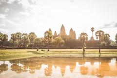 Angkor wat (Franciscomateoo) Tags: cambodia angkorwat angkor canon7d sunrise 24105l kingdom sun lake