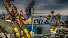 Embarquement clandestin (Fred&rique) Tags: hdr lumixfz1000 photoshop port drapeaux fanions cargo mer bouées hérault sète pêche