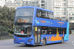 127 BD16 YEE (ANDY'S UK TRANSPORT PAGE) Tags: london buses sightseeing goldentours hydeparkcorner