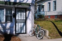 North Fratney Street, Milwaukee Wisconsin (Cragin Spring) Tags: city urban unitedstates usa unitedstatesofamerica building midwest milwaukee milwaukeewi milwaukeewisconsin wisconsin wi door house home bike bicycle