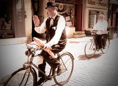 Anjou Vélo Vintage 2016 à Saumur (robertrutxu) Tags: saumur vélo vintage 2016 bicycle bicicleta