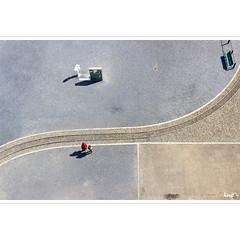 Nach unten (horstmall) Tags: graphic partitions partitionen unterteilungen vonoben fromabove schienen rails voies belag oberflächen zechezollern dortmund horstmall bövinghausen grafik grafisch graphisch graphik railway chemindefer eisenbahn grubenbahn