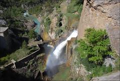 Aliviadero del pantano de La Peña (21-4-2017) (Juanje Orío) Tags: provinciadehuesca aragón españa spain 2017 cascada waterfall agua water río gállego arcoiris puente rainbow bridge river