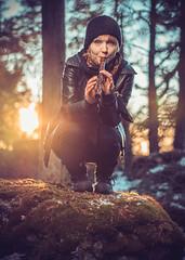 Paula #2 (trm42) Tags: rock sunset musta woods musician musicians blueyes sony rocker reading kevät 55mm huilu waltari strobist poet godox leatherjacket auringonlasku forest flute muusikko finnishgirl nottooserious book metsä sonya7ii wearingblack