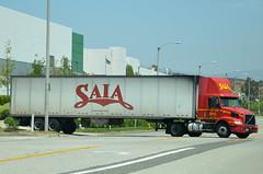 . (Navymailman) Tags: truck big rig wheeler 18
