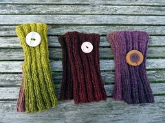 Buttons on wrist warmers (LaWendeltreppe) Tags: wool knit