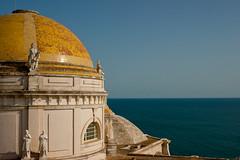CPULA DE LA CATEDRAL (Troiti_) Tags: azul mar andaluca catedral cielo cdiz brillante oro cpula