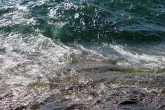 Superior in September (Mamluke) Tags: sun sunlight lake verde green water minnesota lago see aqua eau meer wasser groen lac superior vert grn tageslicht sunlit acqua lakesuperior zonlicht lumiredusoleil luzdelsol mamluke lucesolare