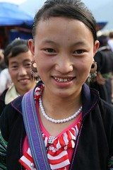 Sapa North Vietnam (floresjax) Tags: flower happy north smiles vietnam colourful sapa hmong