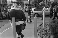 LL112713012 (streetsofvegas) Tags: leica vegas bw film 35mm trix streetphotography jupiter12 m2 1000
