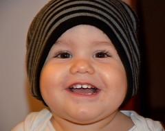 Happy to wear daddy's hat (Fata_Ignorante) Tags: love hat son amore figlio eli beretto elidonato elek eliek