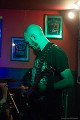 Bursting - Lige (Une fille) Tags: bw music black metal dark death photo concert belgique belgie photos guitars pic nathalie satan liege huy ersatz deathmetal lige headbang bursting 600d khansa