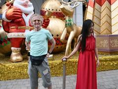 2014-01-13 Saigon, Vietnam037 (HAKANU) Tags: portrait asia streetlife vietnam hcm merrychristmas hkan hochiminh merryxmas hkanuragrd uragrd