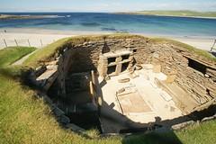 2013-08-02 S9 JB 64747## (cosplay shooter) Tags: uk greatbritain scotland orkney unitedkingdom britain unesco gb unescoworldheritage sco worldheritage neolithic weltkulturerbe skarabrae orkneys steinzeit 400z x201607