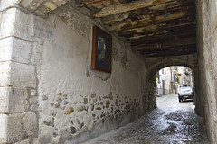 Sotto un arco a Palazzo Adriano (costagar51) Tags: italy sicily palermo architettura sicilia storia palazzoadriano flickrsicilia regionalgeographicsicilia architectureandcities