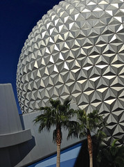 December in Orlando (guillermogg) Tags: usa architecture design orlando epcot globe holidays december florida center sphere esfera 2013