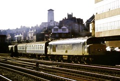 45122 Newport Station South Wales (Buzz688) Tags: station wales 1987 south newport 45122 newportrailwaystationnwp