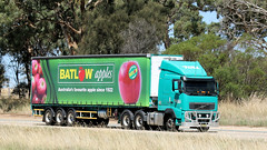 Fruit 'n Veg Transport Day (Jungle Jack Movements) Tags: transport hume freeway fruit vegetable refrigeration carrier burley griffin way yass nsw new south wales australia semi trailer b double truck tractor prime mover diesel injected motor engine driver cab cabin fast brake forward wheel exhaust loud bitumen hood litre hp horsepower gear haul haulage freight cabover trucker drive carry carrying moving shipping delivery bulk lorry hgv road highway toll volvo batlow apples