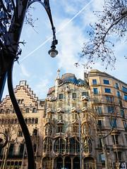 Passeig de Gràcia (luisandrei.com) Tags: barcelona casaamatller casabatlló gaudí leica leicaq passeigdegràcia