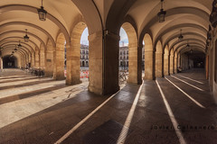 Plaza Nueva (Javier Colmenero) Tags: alava euskadi nikon nikond7200 sigma1020mm vitoriagasteiz plazanueva españa es