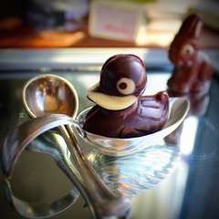 Enteli and Häsli (overthemoon) Tags: utata ironphotographer 95 chocolate duck hare spoons mirror square vignetting utata:project=95 easter häsli enteli rabbit lapindepâques canard