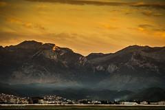 Tetouan sous la montagne - Maroc (Bouhsina Photography) Tags: lumière ville tétouan tetuan maroc bouhsina bouhsinaphotography canon 5diii ef70200 ciel nuage coucher soleil sunset brume printemps 2017