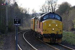 37421 Pitlochry, Scotland (Paul Emma) Tags: uk scotland perthkinross pitlochry railway railroad dieseltrain train testtrain 37421 class37 37057 hst