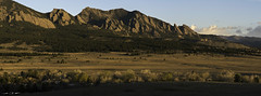 Flatiron Parade (courtney_meier) Tags: boulder bouldercounty colorado coloradorockies flatironformation flatirons landscape rockymountains southernrockies goldenlight magichour morning morninglight mountains panorama plains spring sunrise