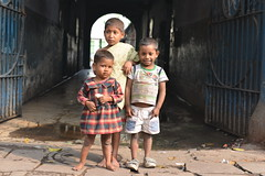 Different faces (sanat_das) Tags: kolkata d800 50mm children streetphoto bbgangulystreet differentfaces