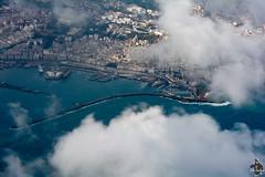 Darse de l'Amirauté d'Alger (Ath Salem) Tags: algérie algeria argelia alger algiers argel fromsky fromplane vuduciel algercentre nuages clouds mer sea merméditerranée mediterraneansea nikond5200 بحرالأبيضالمتوسط الجزائر الجزائرالعاصمة darsedalger port ميناءالجزائر سحاب