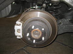 2014-2018 Nissan Rogue Rear Disc Brakes - Changing Rear Brake Pads - Caliper, Bracket, Rotor & Suspension (paul79uf) Tags: 2014 2015 2016 2017 2018 nissan rogue suv rear disc brake pads change changing replace replacing replacement guide how diy tutorial instructions steps part number como hacer cambiar frenos rotor caliper bracket 2nd second generation socket bolt size wrench torque spec specification