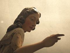 heel braaf meiske (emmapatsie) Tags: nicolasvanderveken erfgoeddag standbeeld engel houtsnijwerk mechelen sintkatelijnekerk sintcatharinakerk