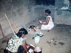 Primitive conditions. Sri Lanka. (David Woolnough) Tags: david woolnough women cooking sri lanka kalutara food fire meal waskaduwa tropical primitive conditions people cook