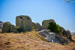 Rock (zulkifaltin) Tags: türkiye kırşehir kaman manzara landscape tepe kaya stone taş rural