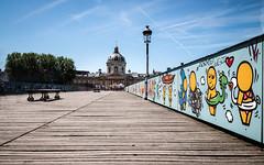 Sur le pont (yannispousset) Tags: architecture art lieux paris pontdesarts poselongue techniques