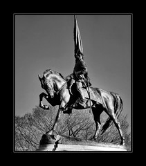 morning glory... (Stu Bo) Tags: canon photography monotone beautiful blackandwhite bw chicago statue sbimageworks shadows sunlight light lookup icon ride rebel city park legend outdoor man horse flag