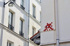 Invader_7334 Paris 11 (meuh1246) Tags: streetart paris invader passagethiéré paris11 spaceinvaders mosaïque