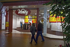 RIP Vanity (buickstyle232) Tags: vanity centralmall vacantretail clothingstores closingsales goingoutofbusiness salinakansas salinaks